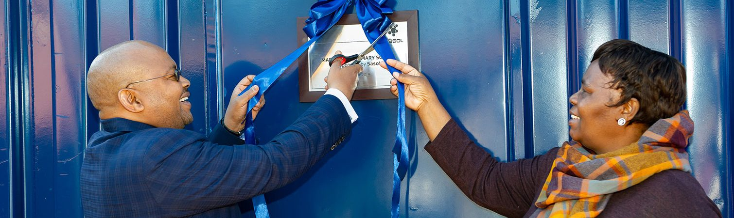 Sasol Energy EVP, Maurice Radebe cuts ribbon at Marhulana Primary School