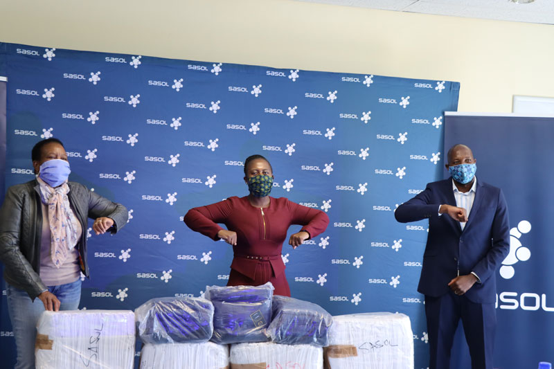 Sasol Secunda donates masks, gloves, sanitisers, hand soap, visors, linen, blankets, cutlery and medical aprons to the Mpumalanga Department of Health.