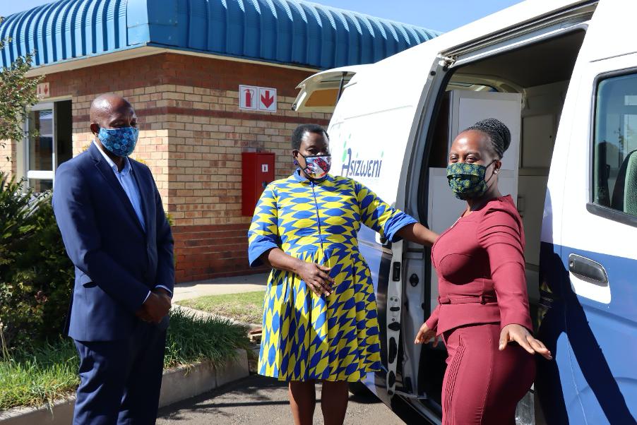 Secunda Chdmicals SVP handsover quarantine support resouces at Evander Hospital